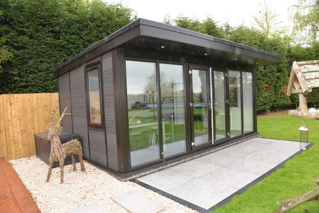 Garden rooms modern garden buildings uk for Garden room definition